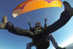 Diversión y vuelo en parapente