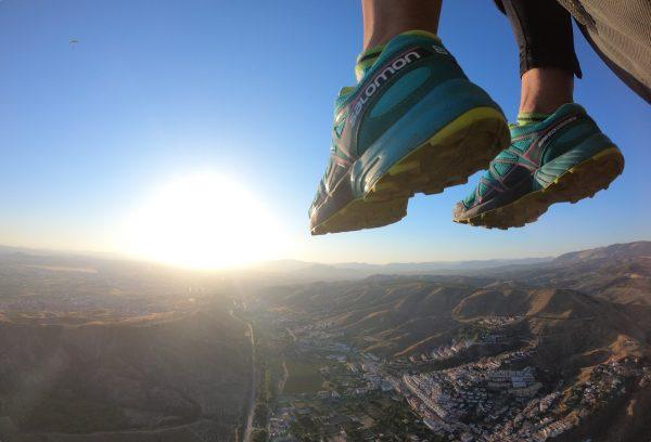 Intense Flight - Con los pies en el aire