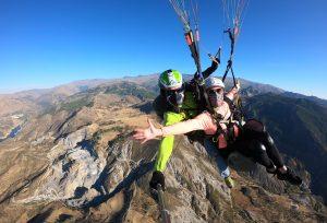 Llanos del Purche y Sierra Nevada volando en Parapente - Zen Parapente