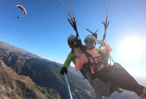 Volando con otros parapentes a mas de 2000 metros - Zen Parapente